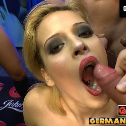 Ria Sunn Blonde & Splashed - ggg john thompson video