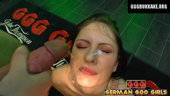 Rebecca -Teenie entdeckt das Sperma - ggg john thompson video