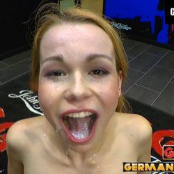 Rebecca -Teenie entdeckt das Sperma - ggg john thompson video
