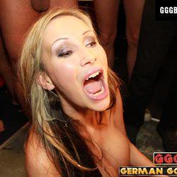 Sandra Star an der Sperma Bart - ggg john thompson video