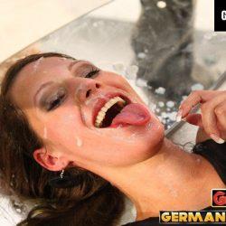 Viktoria in der Spermafabrik - ggg john thompson video